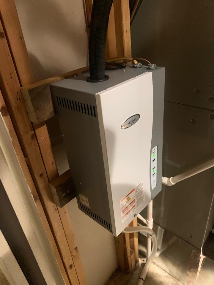 Arlington, VA - Installing Aprilaire steam humidifier.
