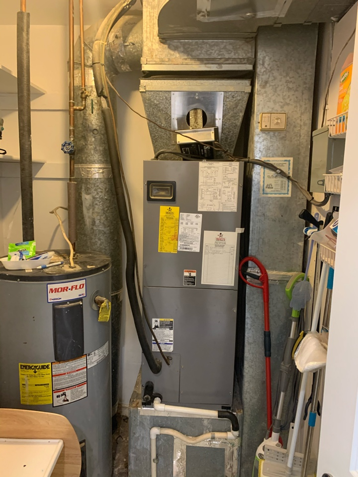 Burke, VA - Performed preventive maintenance on Heil Heat Pump system.