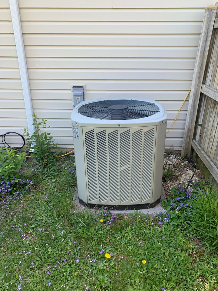 Centreville, VA - Performed preventive maintenance  and repair on Trane Heat Pump system.