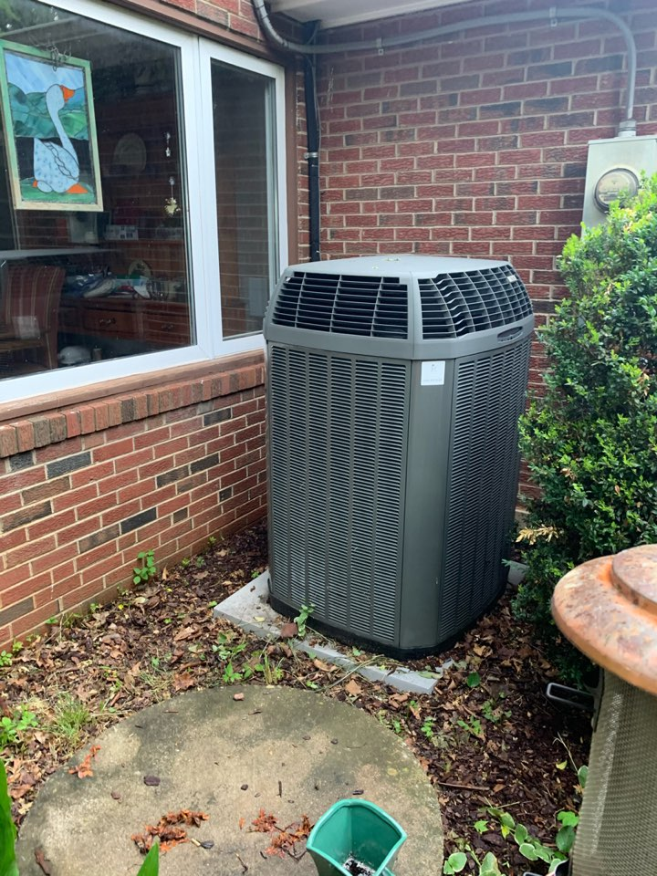 Clifton, VA - Performed repairs on Trane Heat Pump system.