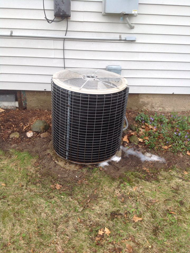 Clarklake, MI - Performed annual air conditioning maintenance on AMANA unit