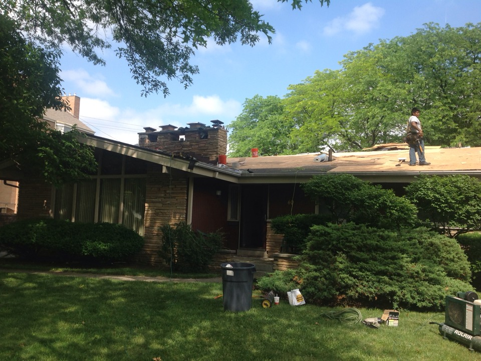 Bexley, OH - This Bexley home had a problem with rafters sagging and had a warranty claim on their shingles. Muth fixed the rafters, did a resheet on the front, and is installing Timberline HD Mission Brown shingles.