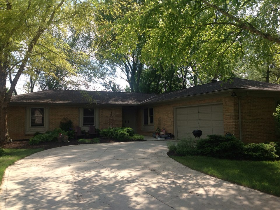 Columbus, OH - This home in WorthingtonHills had some storm damage and Muth & Company worked with the insurance company to get the roof replaced. Muth used a new Timberline HD Barkwood Limited Lifetime Warranty shingle.
