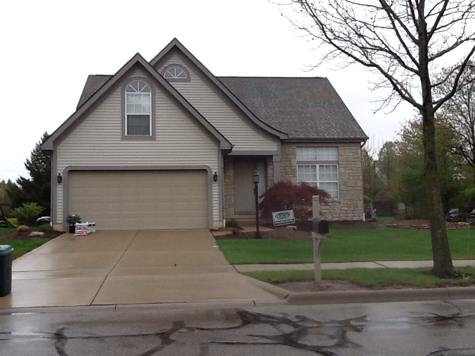 Dublin, OH - Muth and company roofing installed a new timberline hd weathered wood . What a great match for this home .
