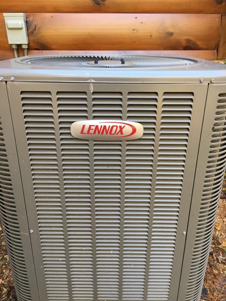 Ellijay, GA - Heating maintenance on a Lennox heat pump