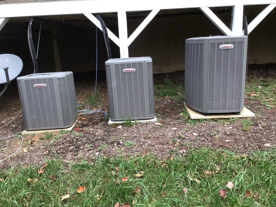 Blairsville, GA - Three Lennox systems maintenance  heat pump and filter change