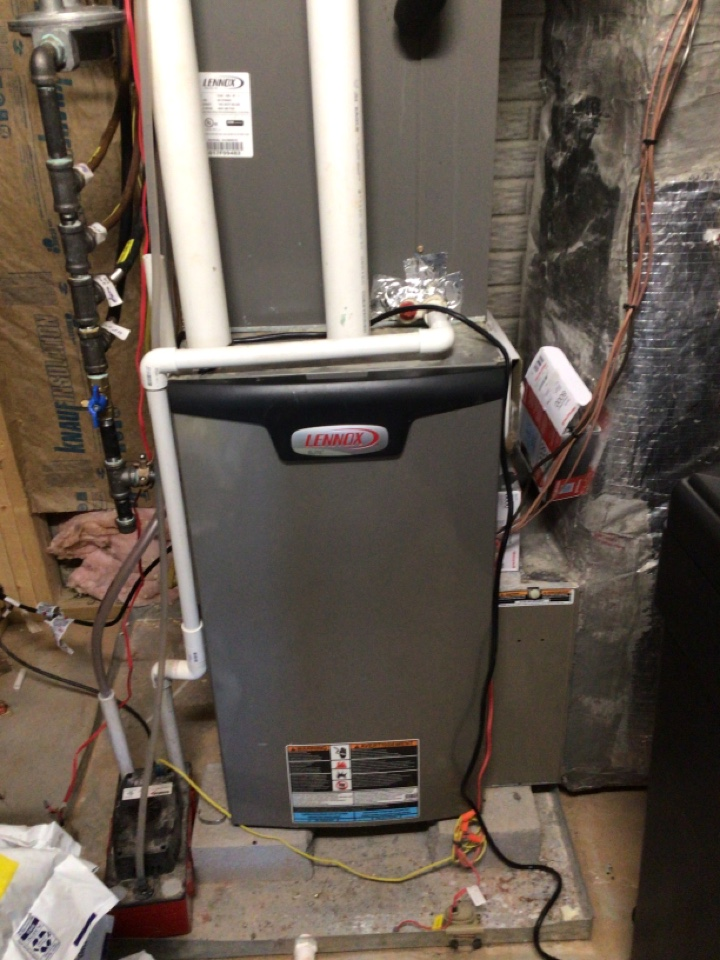 Blairsville, GA - Two Lennox heat pumps changed filters and maintenance