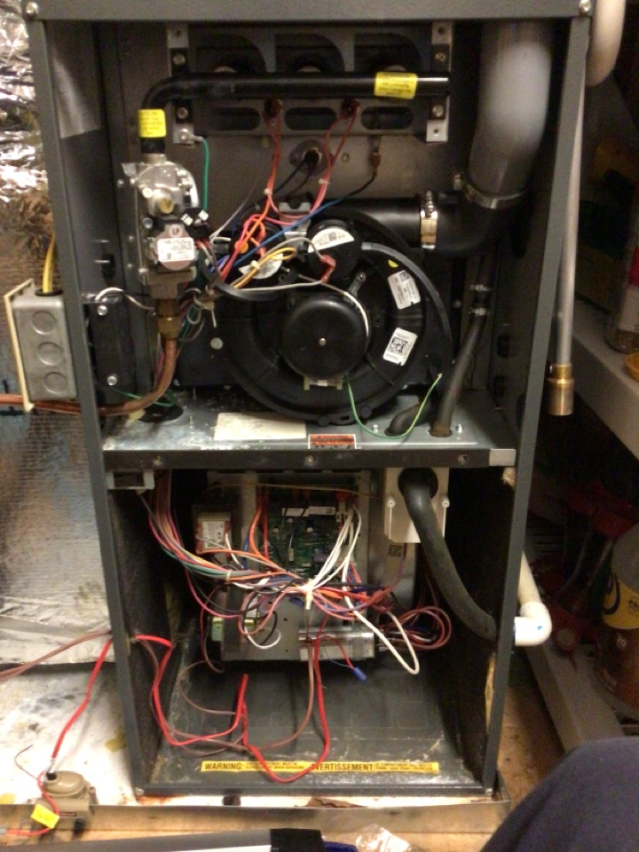 Morganton, GA - Goodman gas furnace maintenance and filter change