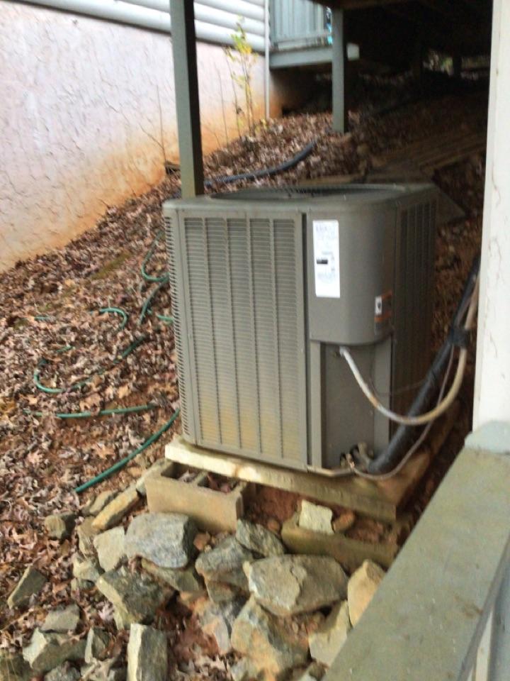 Morganton, GA - Lennox heat pump no heat