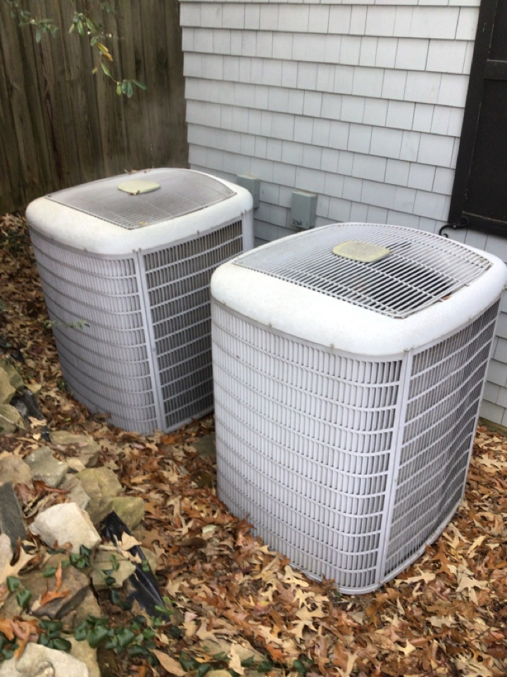 Morganton, GA - Carrier heat pump maintenance and filter change