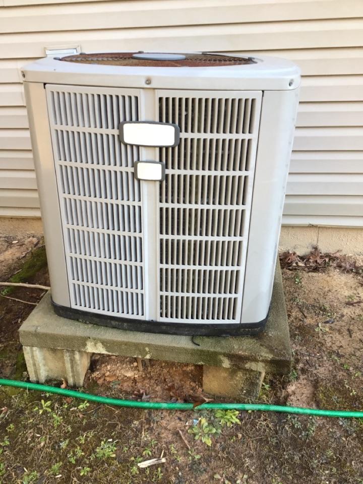 Blairsville, GA - American standard heat pump maintenance and filter change