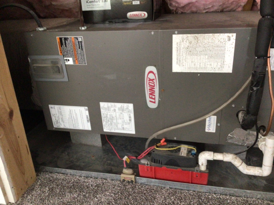 Blairsville, GA - Lennox heat pump and duct fuel systems maintenance and filter change