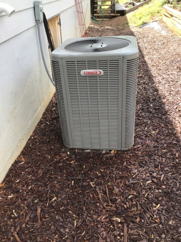 Blue Ridge, GA - Maintenance on Lennox duel fuel systems and filter change
