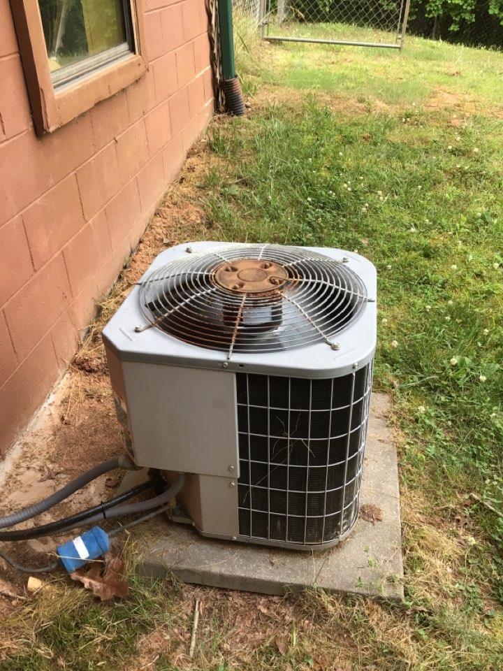 Mineral Bluff, GA - Carrier heat pump no cool