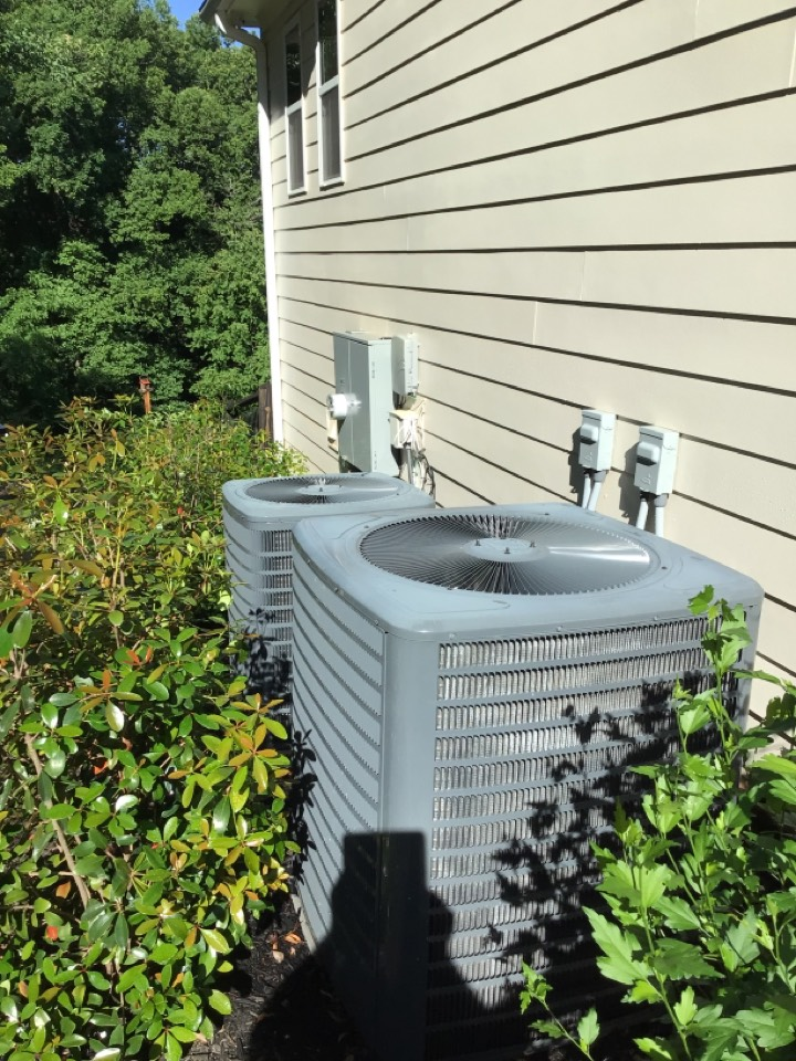 Blairsville, GA - Goodman duel fuel and heat pump maintenance and filter change