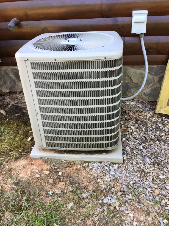 Mineral Bluff, GA - Goodman duel fuel system maintenance and filter change