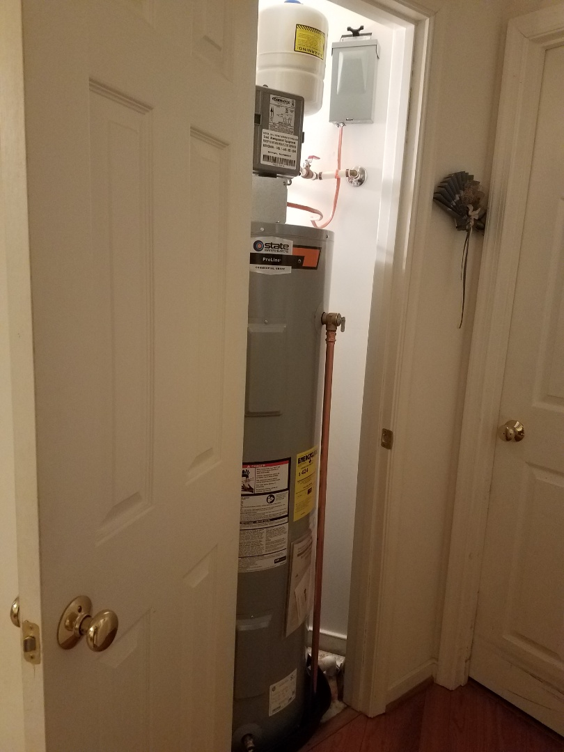Installed 50 State Electric Water heater drain pan with expansion tank