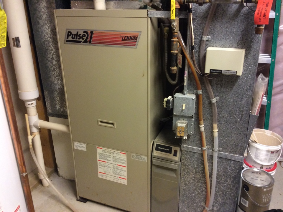 Lakeville, MN - Performed a checkup on a Lennox furnace in Lakeville.