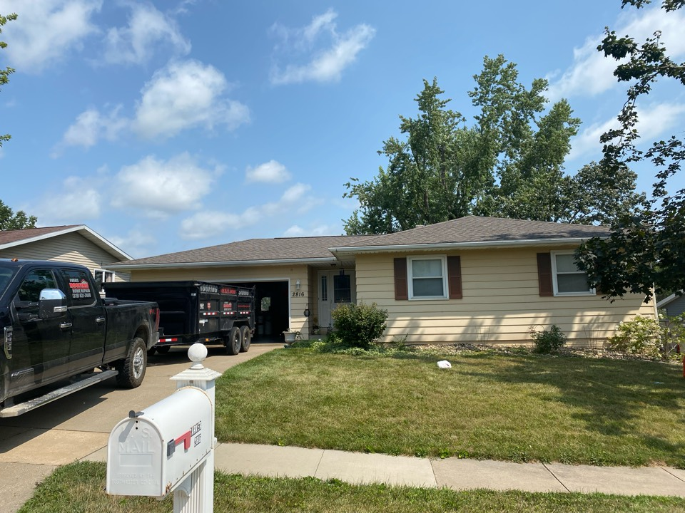 Cedar Rapids, IA - Roof tear off and shingle in Cedar Rapids.GAF Timberline HDZ Mission Brown