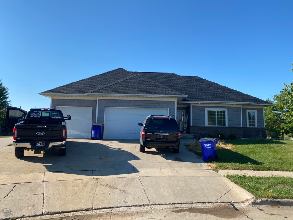 North Liberty, IA - Roof tear off and shingle in North Liberty