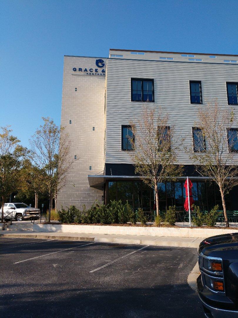 Mount Pleasant, SC - Roof leak repair Grace and grits restaurant Mount pleasant