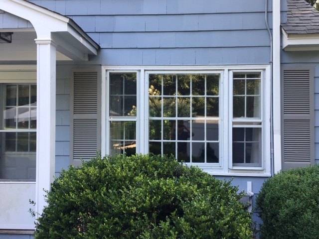 Mount Kisco, NY - Beautiful combination double hung and picture window replacement.