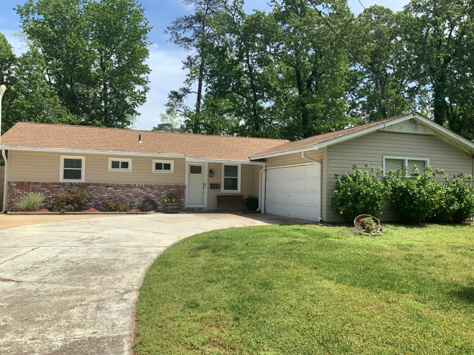 Virginia Beach, VA - Measuring a house to install charter Oak hidden vent soffit