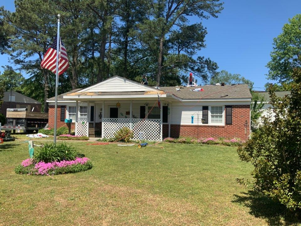 Hampton, VA - Replacing a roof with GAF timberline Weatherwood shingles