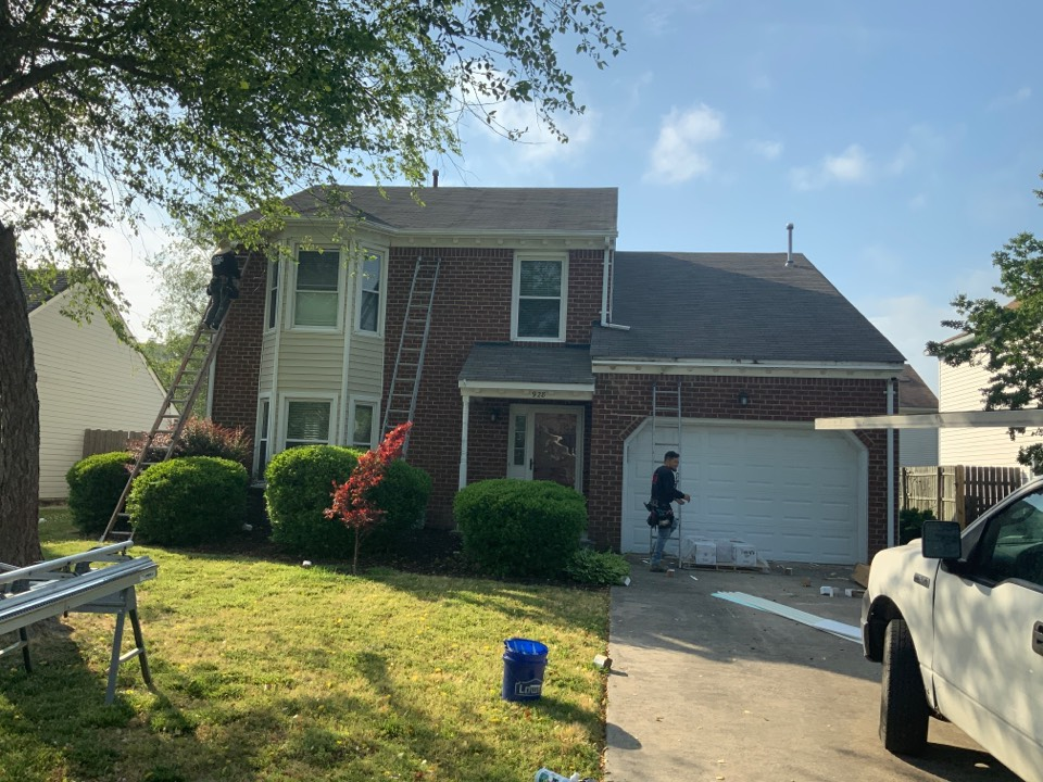 Virginia Beach, VA - Installing G8 smooth trim coil and charter oak hidden vent soffit to exterior of home