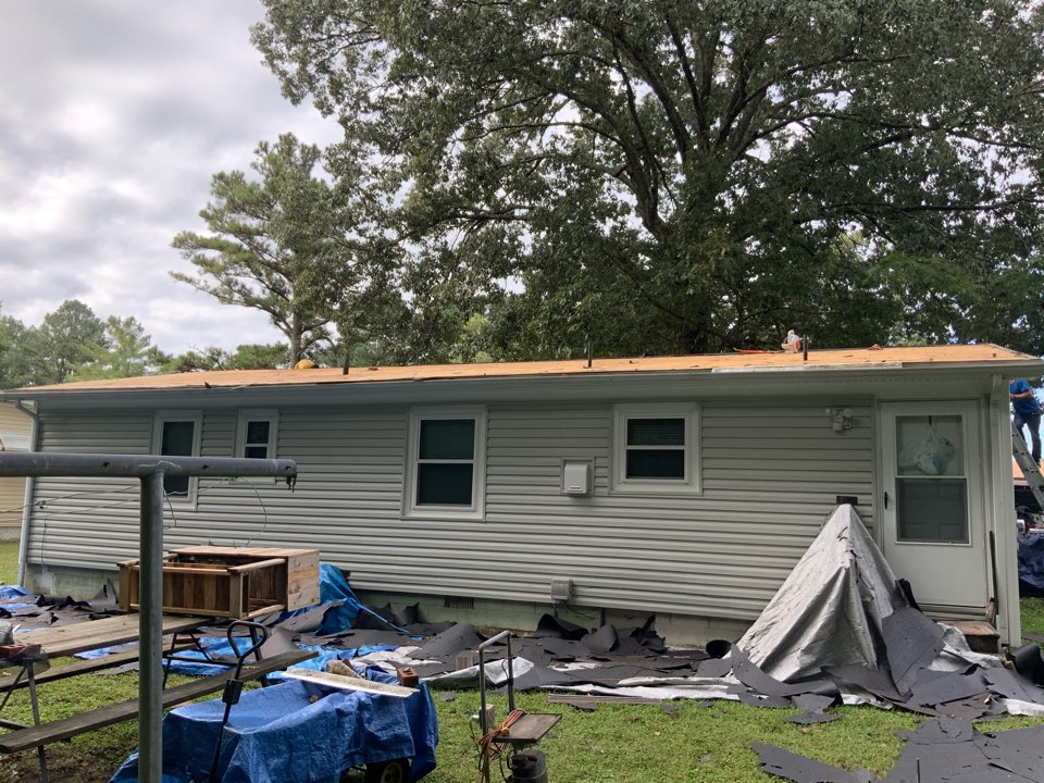 Suffolk, VA - Tearing off an old roof and inspecting the roof decking