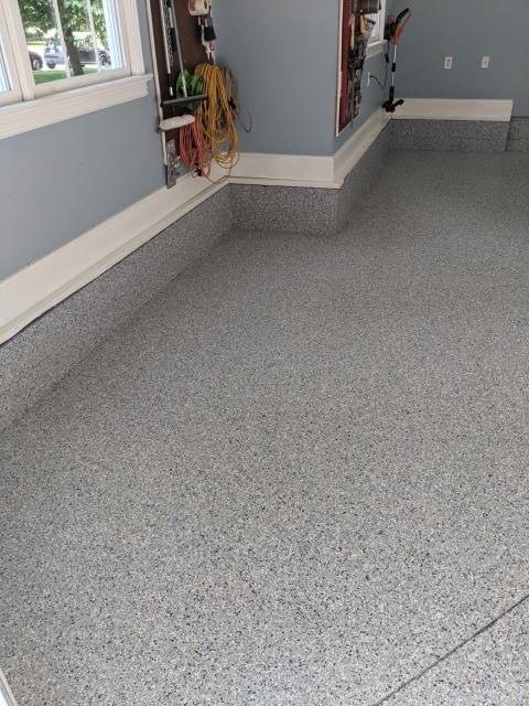 Signal Mountain, TN - Guardian Garage Floors is in Signal Mountain TN installing a beautiful floor in the color Rapids. This customer had their blockwall included to finish out the look.