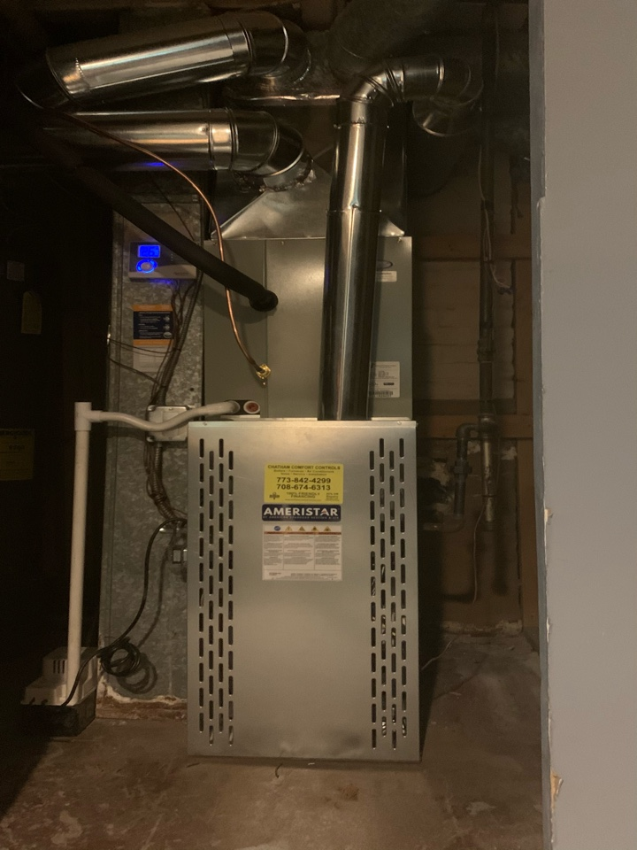 Ameristar 80,000 Btu gas furnace with condenser with cased coil 2.5 ton condenser Aprilaire humidifier