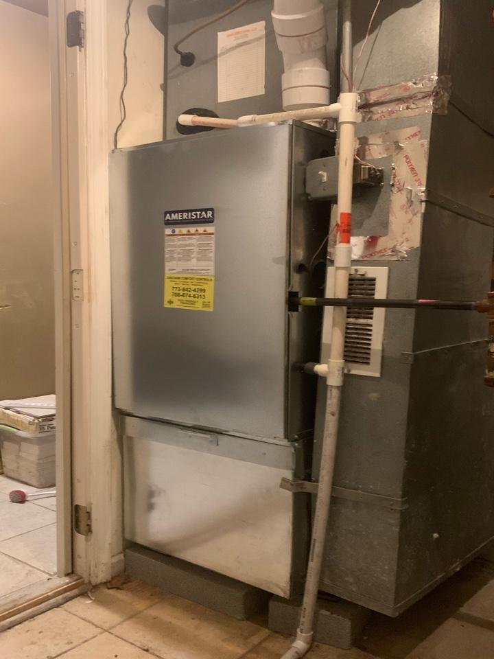 Ameristar 100,000 Btu gas furnace 95% efficient Chicago 60620