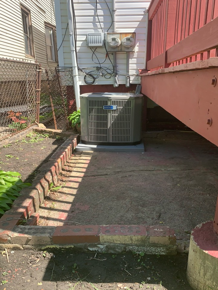 American Standard S9X1 80,000 Btu gas furnace & American Standard Silver 13 3 ton condenser with coil Chicago 60629
