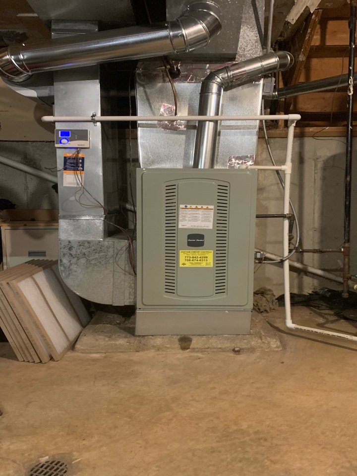 American Standard S8B1 ; 100,000 Btu gas furnace with 3.5 ton condenser and coil