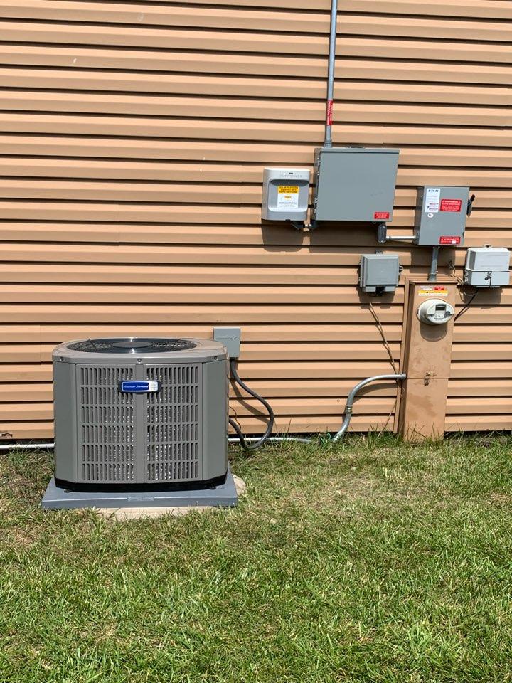American Standard Silver S8X2 80,000 Btu gas furnace American Standard Silver 13 ;3 ton condenser with coil Aprilaire 500 digital bypass humidifier Rheem 40 gallon water heater