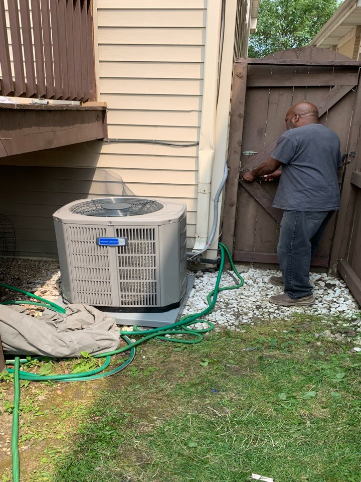 American Standard Silver 13 ; 2.5 ton condenser with coil and American Standard S8B1 80,000 Btu gas furnace installation Chicago 60619