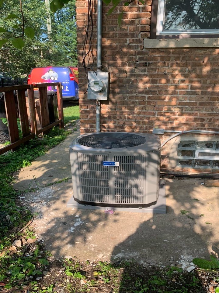 American Standard Silver 13;3.5 ton condenser with coil Chicago 70617