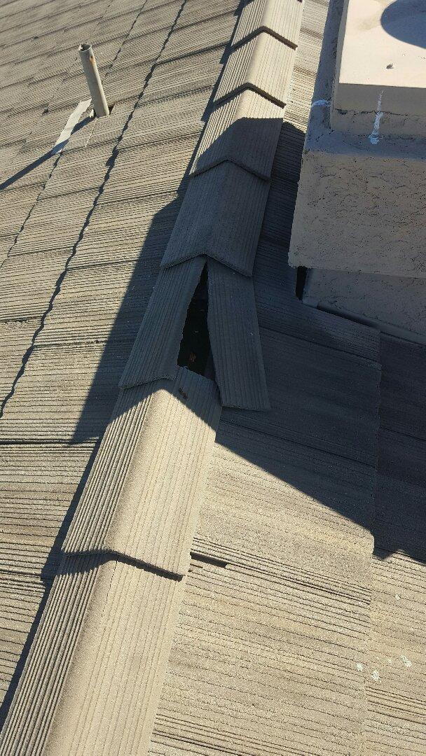 Mesa, AZ - Broken tile