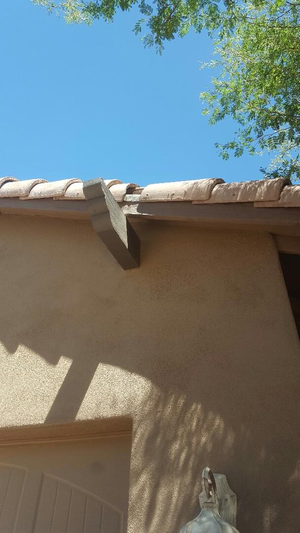 Scottsdale, AZ - Broken tile