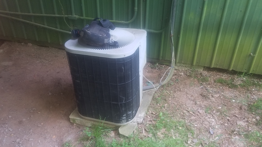 Marietta, GA - In marietta near kennesaw mountain national battlefield troubleshooting an air conditioner