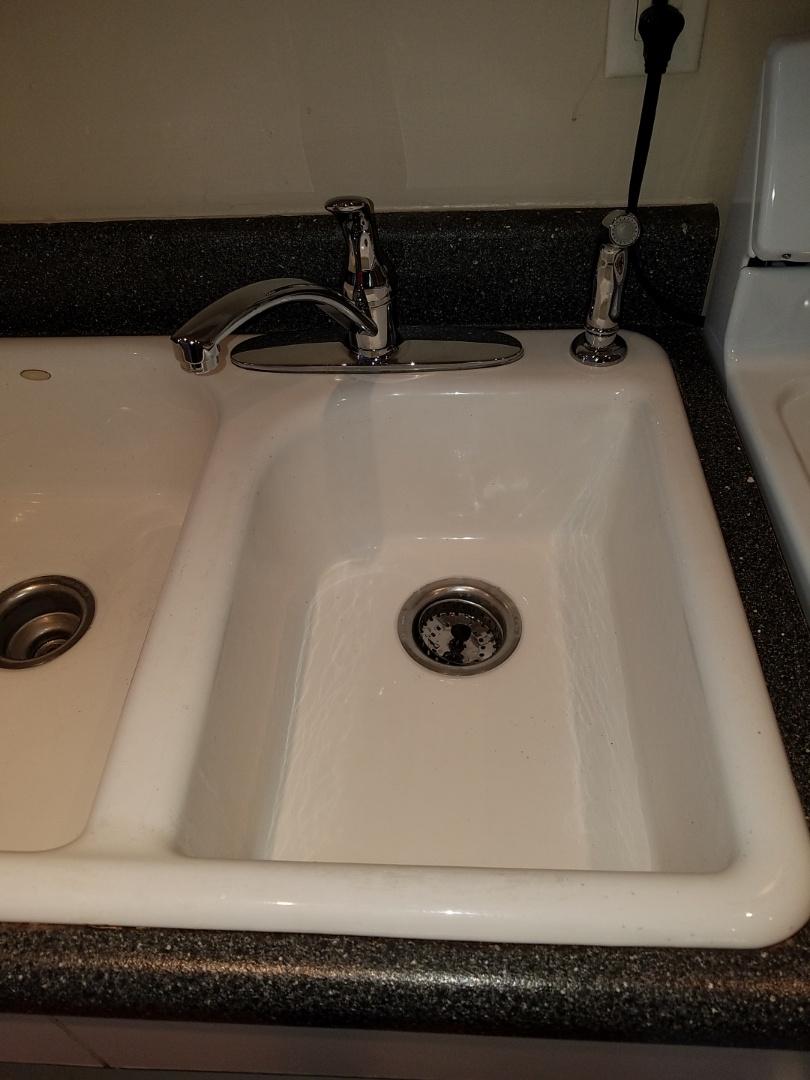 Atlanta, GA - Replaced kitchen sink faucet
