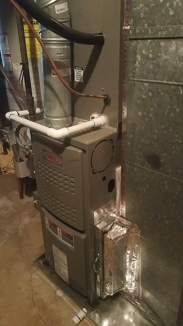 Tyrone, GA - Working on a Lennox gas furnace