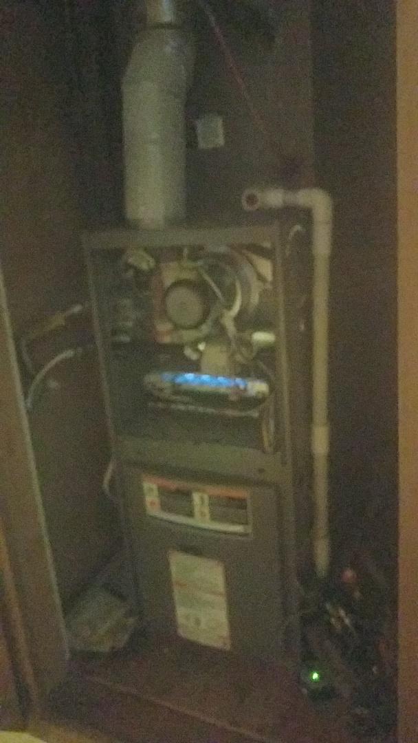 Fayetteville, GA - Working on a Lennox gas furnace