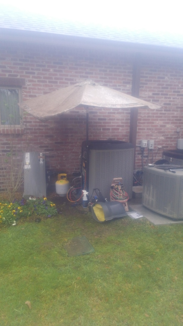 Eunice, LA - Did service call on Lennox system and replace compressor in warranty.