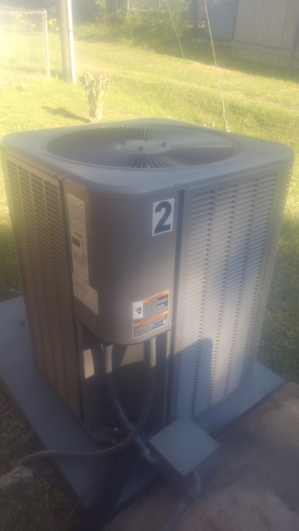 Eunice, LA - Did service call on Lennox system and replace filter.