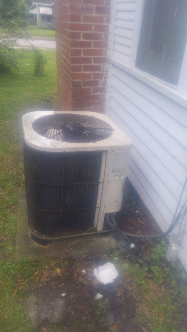 Ville Platte, LA - Did service call on Lennox system and replace cond motor.