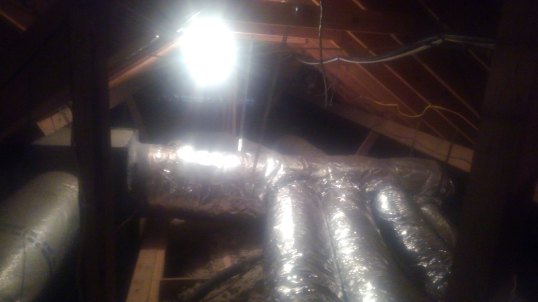 Eunice, LA - Did service call on Lennox system and repaired duct contention.