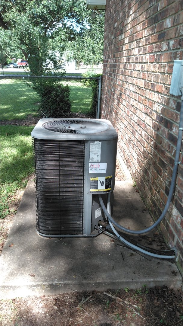 Ville Platte, LA - Did service call on Lennox system and replace filter and added frenon.