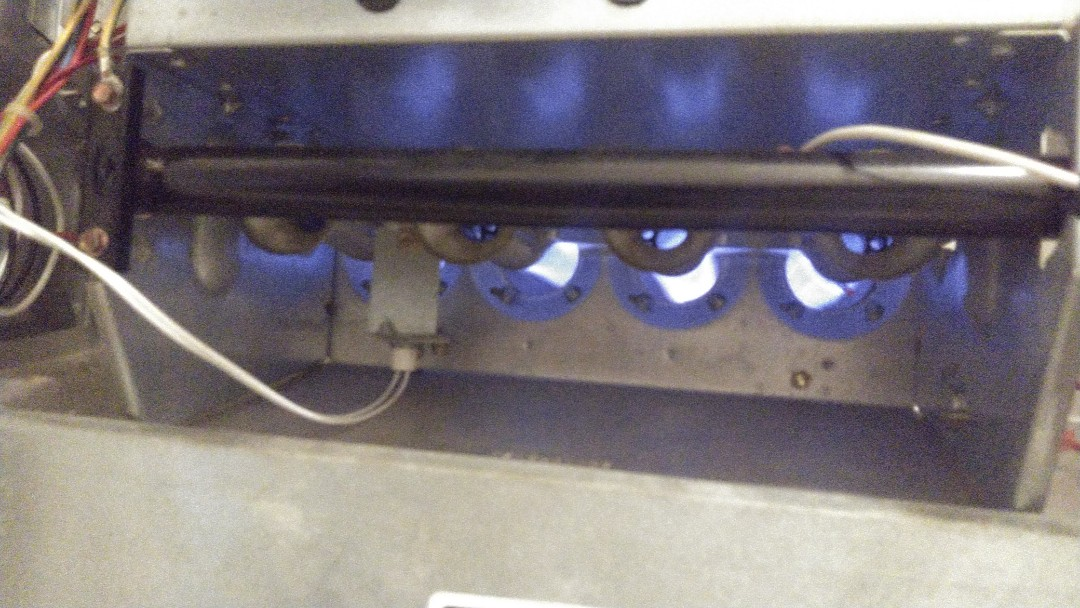 Opelousas, LA - Did heating tune up on Carrier system and replace filter.
